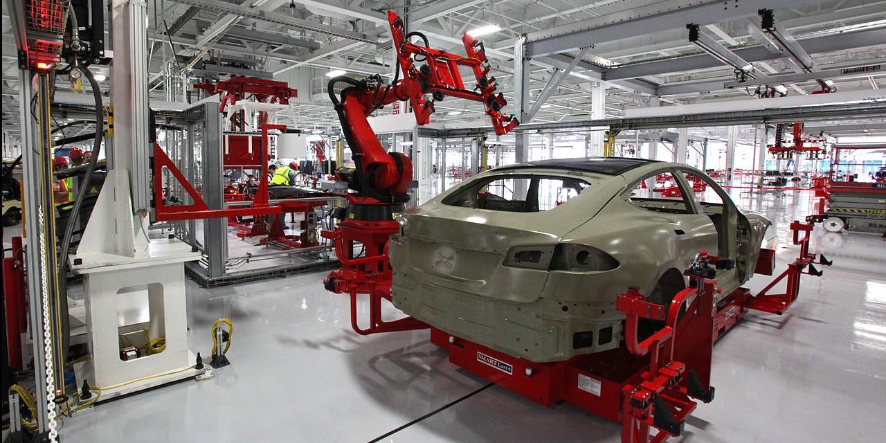 1280px-Tesla_auto_bots